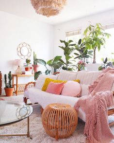 Bedroom Ideas ,mouth watering reference 5506309272 - Positively lovely inspirations to kick-start a clearly remarkable decor. eeling super peachy lately 🍑 . I woke up with a banging headache at and started my diet today. My Living Room, Living Room Decor, Bedroom Decor, Cozy Living, Bedroom Ideas, Moroccan Home Decor, Décor Boho, Boho Chic, My New Room