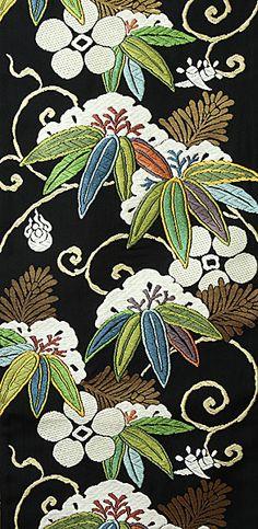 Textiles. 西陣都袋帯笹に天神文 More