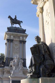 Retiro Park, Madrid. #retiro #park #parque #sculpture #escultura #madrid