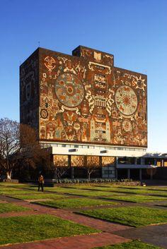 Vista a la Universidad Nacional Autónoma de #Mexico #UNAM, otra gran obra arquitectónica ¡y mexicana! http://www.bestday.com.mx/Mexico/ReservaHoteles/