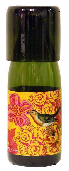 Moringa reciclada de garrafas de champagne com rótulo desenvolvido pela artista plástica Bebel Franco. Exclusividade TodaBossa, enjoy!