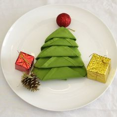 Ha! You need to see what she does to her table with a green napkin.  How to: http://www.hometalk.com/25073070/fold-your-christmas-napkins?se=fol_new-20161204-2&date=20161204&slg=1c1d1bd69a93f6b51a9d16ff69c0fc05-1110481