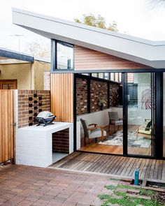 This inner city worker's cottage renovation and addition opened up the internal spaces to provide natural light and a direct connection to the outdoor area. Located in Annandale NSW it is the work of Bastian Architecture @bastian.architecture. Photography credit: Justin Aaron