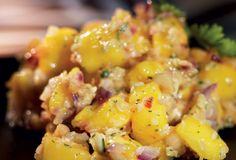 Mangosambal med vitlök, ingefära och jordnötter | Recept från Santa Maria