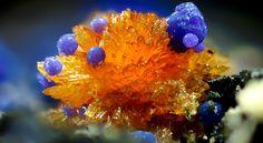 Stewartite & Phosphosiderite  Phosphosiderite