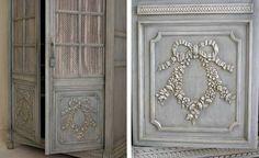 cabinet door with appliques