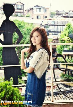 Kim So Eun Wants a Boyfriend But Can't Find Time to Date Korean Actresses, Korean Actors, Kim So Eun, Wanting A Boyfriend, O Drama, Cute Korean Girl, Korean Women, Korean Beauty, Cute Girls
