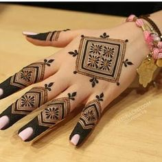 Mehndi henna designs are always searchable by Pakistani women and girls. Women, girls and also kids apply henna on their hands, feet and also on neck to look more gorgeous and traditional. Henna Hand Designs, Dulhan Mehndi Designs, Mehandi Designs, Mehndi Designs For Kids, Henna Tattoo Designs Simple, Mehndi Designs Feet, Mehndi Designs For Beginners, Mehndi Design Photos, Unique Mehndi Designs