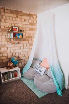 Canopy Reading Nook (19)