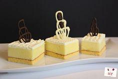Vanilla Cake, Mousse, Bakery, Cheesecake, Food And Drink, Pudding, Sweets, Desserts, Yogurt