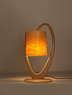 Wooden lamp with natural pine wood screen. Model Soria.
