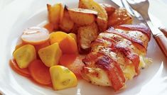 Bacon and cheese chicken - Wrapping food in bacon always makes it taste better, and this chicken recipe is no exception! Bacon Ham Recipes, Chicken And Cheese Recipes, Cheese Stuffed Chicken, Meat Recipes, Yummy Recipes, Recipies, Bacon Wrapped Chicken, Chicken Bacon, How To Cook Chicken