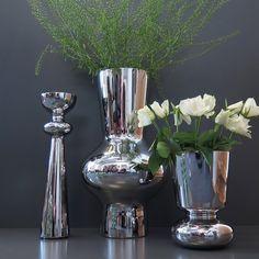 Fina vaser från Georg Jensen, en perfekt gåva till brudparet eller jubilaren. Ø10,6cm, höjd: 40cm 1.799kr. Ø27, höjd 47cm 2.499kr. Ø15cm, höjd 22cm 1.199kr. Finns på R.O.O.M. i Täby C. #roombutiken #bröllopsgåva #georgjensen #täbycentrum