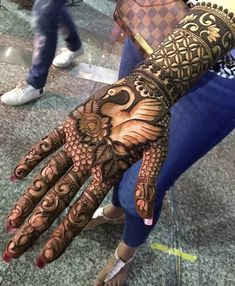 Beautiful Hand's Mhendi Design With Bird Picture - New Mhendi Designs Palm Henna Designs, Peacock Mehndi Designs, Indian Mehndi Designs, Mehndi Designs 2018, Mehndi Design Pictures, Wedding Mehndi Designs, Stylish Mehndi Designs, Beautiful Mehndi Design, Mehndi Images