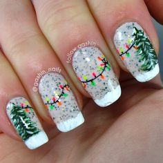 Green-Christmas-Tree-And-String-Lights-Manicure Festive Christmas Nail Art Ideas Christmas Tree Nails, Christmas Manicure, Xmas Nails, Diy Nails, Green Christmas, Manicure Ideas, Christmas Lights, Winter Christmas, Christmas Present Nails