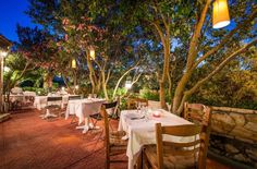 Peppermint restaurant is located in Argassi resort of Zakynthos island. Menu of traditional dishes, seafood plates, grilled plates, pasta for italian food lovers and big variety of vegeterian dishes. You definetely have to try this gourmet paradise.