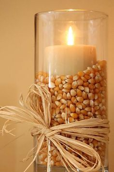 Thanksgiving Decor Ideas For The Upcoming Holiday Season These Thanksgiving decor ideas are great for the approaching holiday to get you in the spirit. Check out these decor ideas for this thanksgiving! Thanksgiving Diy, Diy Thanksgiving Decorations, Thanksgiving Celebration, Thanksgiving Tablescapes, Rustic Thanksgiving Decor, Simple Halloween Decorations, Christmas Decor, Friendsgiving Ideas, Christmas Tables