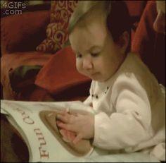 Eerste keer het vinden van een nieuw recept in een kokende tijdschrift: | 18 Babies Experiencing Things For The First Time