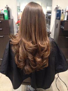 New Haircut Straight Hair Medium Trending Hairstyles Ideas Medium Hair Cuts, Long Hair Cuts, Medium Hair Styles, Curly Hair Styles, Haircuts Straight Hair, Long Layered Haircuts, Bouncy Hair, Girl Haircuts, Big Chop