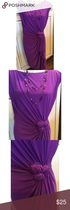 """Jones Wear Pretty Purple Rosette Cocktail Dress💜 Pretty purple rosette-gathered cocktail dress. Very figure flattering! The gathers lay perfectly across the waist for maximum slimming effect. 95% polyester 5% spandex.  Lined. Bust 20"""" across. Waist 17"""" across. Length 38"""" from shoulder to hem. 💜 Jones New York Dresses"""