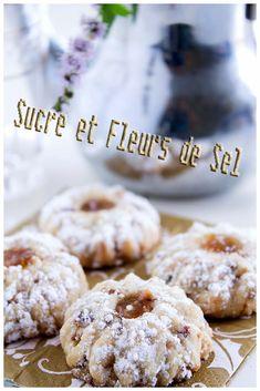 Sucre et Fleurs de Sel: Ghriba aux noisettes et raisins secs.