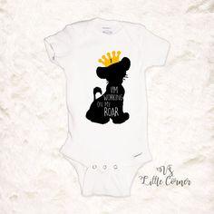 Lion King Birthday Shirt i'm working on my roar Lion King Shirt, Lion King Baby, Baby Simba, 1st Birthday Shirts, Boy First Birthday, Birthday Ideas, Lion King Birthday, Raglan Shirts, Black N Yellow