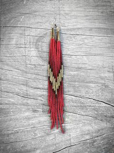 ➳These shoulder duster seed bead fringe earrings are deliciously long, grazing the collar bone with their elegance. Indian brass round accent beads add a