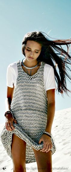 Cute . . . the big chunky knit looks like chainmail. Love the contradiction for summer. #summer #knitting #tejeralgocool