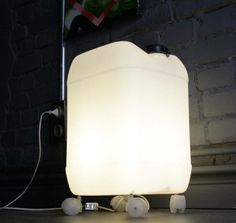 Upcycling - do cool lamps from recycled material