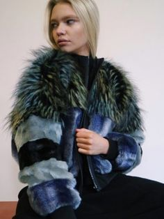 Processed with VSCO with preset Fur Fashion, Couture Fashion, Winter Fashion, Womens Fashion, Faux Fur Jacket, Fur Coat, Fur Bomber, Bomber Jackets, Blazers