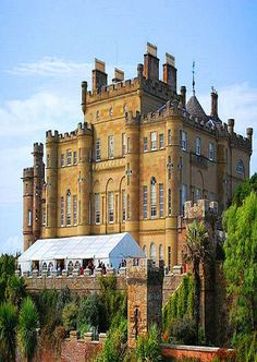 Culzean Castle In Scotland Culzean Castle was constructed as an L-plan castle by order of the 10th Earl of Cassilis. He instructed the architect Robert Adam to rebuild a previous, but more basic, structure into a fine country house to be the seat of his earldom. The castle was built in stages between 1777 and 1792