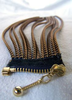 crafts with easy things to make and sell! These craft ideas are creative things that are current hot sellers at craft sales and fairs, Etsy and online . Zipper Bracelet, Zipper Jewelry, Bracelet Cuir, Fabric Jewelry, Beaded Jewelry, Jewelry Bracelets, Handmade Jewelry, Zipper Flowers, Zipper Crafts