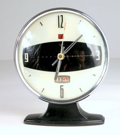 ⇢|| http://etsy.com/listing/65241681/panda-vintage-mechanical-alarm-clock ⇢||Vintage Mechanical Alarm Clock