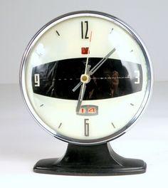 ⇢|| http://etsy.com/listing/65241681/panda-vintage-mechanical-alarm-clock ⇢||Vintage Mechanical Alarm Clock