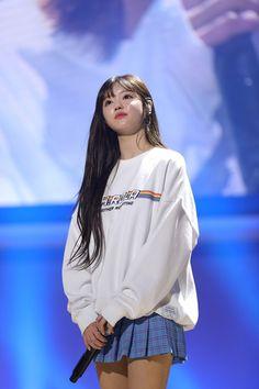 Oh My Girl Yooa, My Sunshine, Asian Beauty, Rain Jacket, Stage, Windbreaker, Kpop, Jackets, Fashion