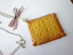 collier gourmand fimo original biscuit  celebre petit Beurre LU
