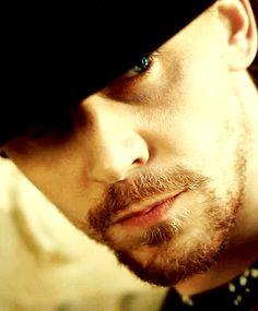 Holy mother, he is a sexy beast! Tom Hiddleston Benedict Cumberbatch, Tom Hiddleston Loki, Ideal Man, Perfect Man, Thomas William Hiddleston, British Men, My Boyfriend, My Idol, Movie Stars