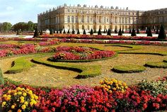 of paris the palace of versailles in french chateau de versailles Trianon Palace Versailles, Chateau Versailles, Versailles Garden, Visit Versailles, Most Beautiful Gardens, Amazing Gardens, Beautiful Places, The Places Youll Go, Versailles