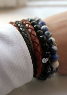 Upgrade your wrist game with our collection of men's bracelets! Men Accesories, Fashion Accessories, Bracelets For Men, Beaded Bracelets, Leather Bracelets, Look Man, Hobbies For Men, Mode Style, Men's Style