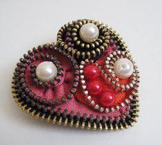 Etsy の Love Zipper Brooch Pin by redyarn