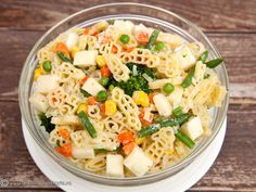 SALATE DE PASTE   Diva in bucatarie Paste, Pasta Salad, Health Fitness, Foods, Ethnic Recipes, Crab Pasta Salad, Food Food, Food Items, Fitness