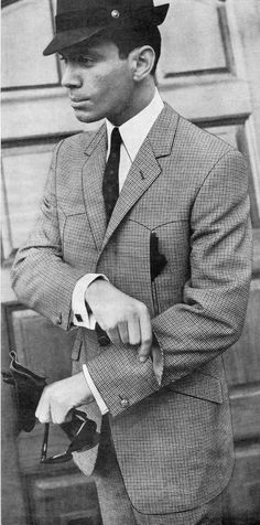 From the May 1966 edition of Rundschau is a stunning Norfolk suit, complete with a ticket pocket in the left sleeve