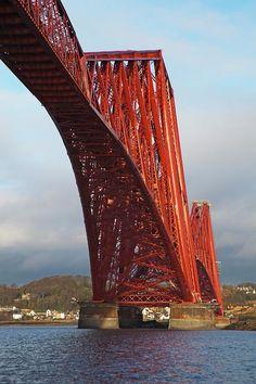 Iconic Forth Rail Bridge, crossing the Firth of Forth near Edinburgh, UK