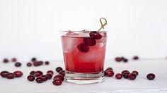 Cranberry cocktail -  http://recetario.guisitos.com/receta/cranberry-cocktail/