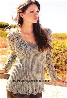 Элегантный серый пуловер с зигзагообразным и ажурным узорами. Спицы