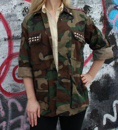 Armée cloutée veste Camo Camouflage armée chemise par FlamingoMaude, $49.00