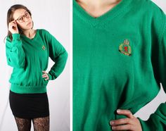 80s Vintage Kelly Green Bermuda V-Neck Sweater / Mens Size XL by yeoldewish on Etsy