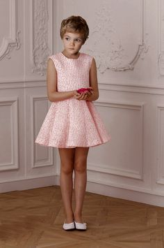 Afbeeldingsresultaat voor pretty boys in dresses Girly Outfits, Kids Outfits, Transgender Boys, Petticoated Boys, Sissy Boys, Boys Wearing Skirts, Boyish Girl, Feminized Boys, Dress Picture