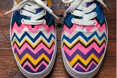 Saiba como customizar seu tênis de tecido de uma maneira muito fácil #customização #tênis
