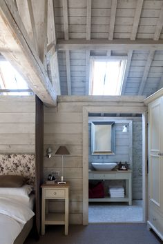 Wiltshire Converted Barn by Sims Hilditch Interior Design Luxury Interior Design, Interior And Exterior, Interior Walls, Converted Barn Homes, Barn Loft, Barn Renovation, Tiny House, Barn Living, The Ranch